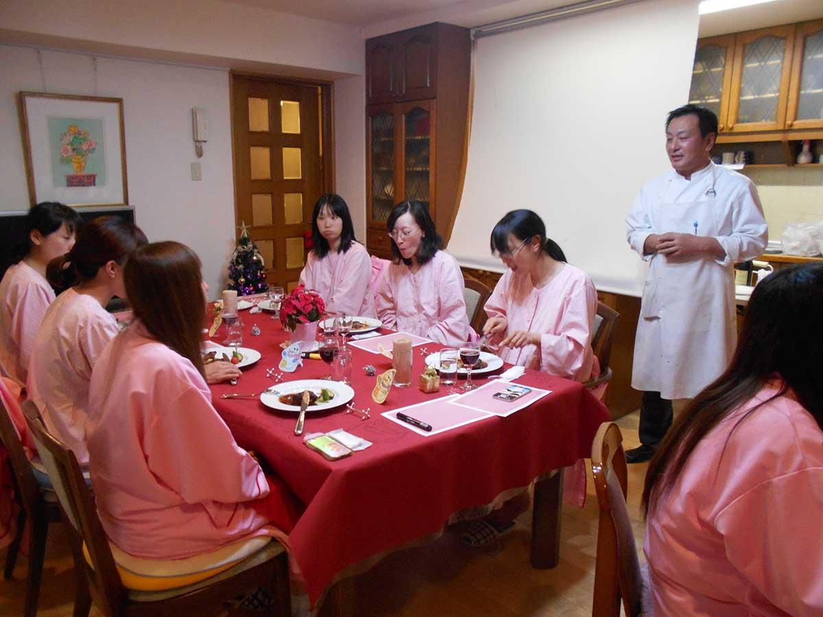 12月25日、恒例のクリスマスパーティを開催しました。